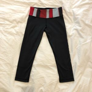 Lululemon Wunder Under reversible capri leggings